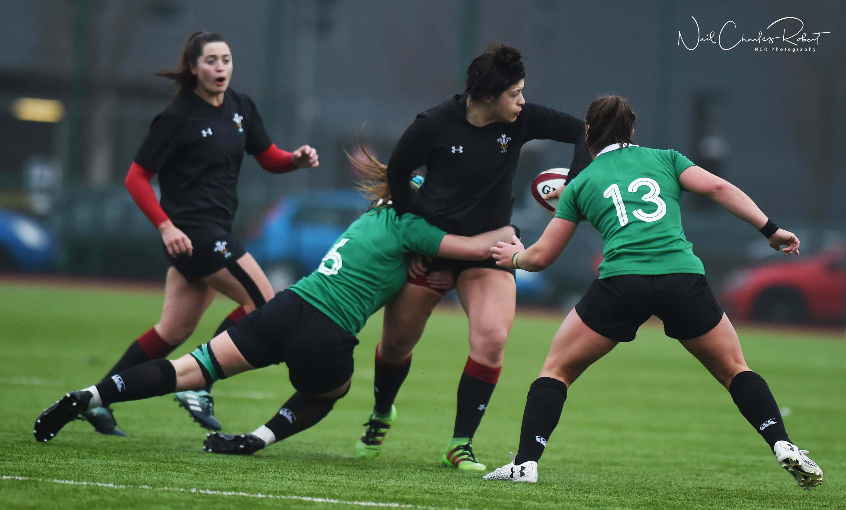 Ireland women play against the Welsh womens team in the womens 6 Nations. Photo credit: Neil Charles Roberts