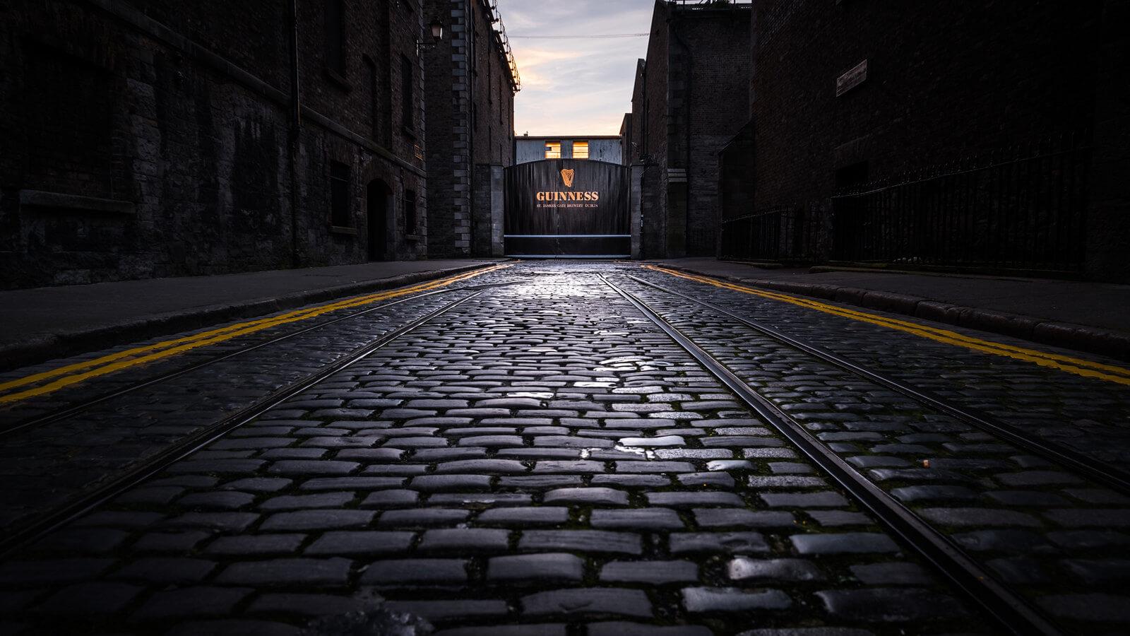 Guinness Storehouse Gate - Guiseppe Milo (Flickr)